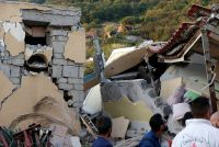 ナポリ沖のリゾート地で地震、少なくとも2人死亡