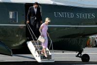 米財務長官夫人が謝罪、投稿した高級品着用写真に批判殺到