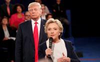 トランプ氏に近づかれ「鳥肌立った」、クリントン氏が新刊で述懐