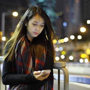 女性が深夜に1人で歩ける日本、「さすが治安が良い」と言わざるを得ない=中国