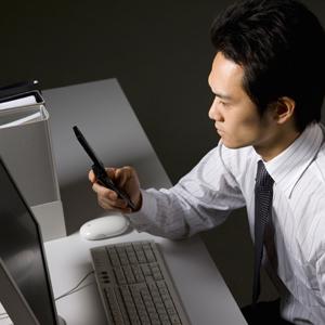 毎日夜遅くまで残業している日本人が長寿な理由は意外とシンプルだった=中国