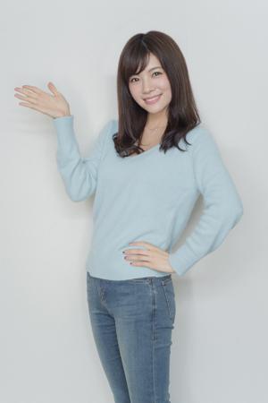デニムをはいている松川佑衣子