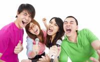 カラオケで20代が盛り上がる曲は?男性、女性ボーカル別定番ソング