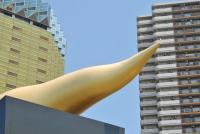 アサヒビール「金色のオブジェ」元々は縦向きだった? 噂は本当か広報に聞いてみた