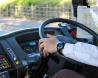 運転士が足りない…路線バスが抱える、赤字以上に深刻な問題