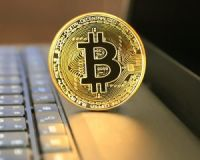 仮想通貨バブルはキャバクラですべて説明できる[コラム二スト木村和久]