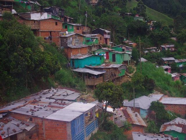 コロンビア・ゴンドラで空から「メデジン」の街を眺めよう