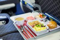 機内食がおいしくないのには理由があった!空の旅を快適にする機内食の選び方