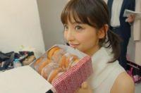 篠田麻里子、カラコン&ツインテール姿が「とても30代に見えない!」