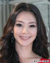 知花くらら 俳優・上山竜治との結婚発表「彼との時間は幸せなもの」