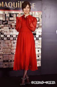 白石麻衣 深紅のドレス姿で新たな決意「色気のある大人の女性になれたら」