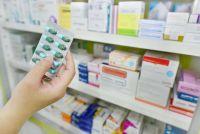【最新!年収比較】医薬品25社の平均年収は811万円。年収の高い企業、低い企業は?