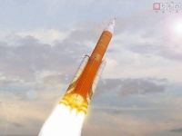 NASA次世代ロケット、まずは無人打ち上げへ トランプ政権の思惑はねのけ開発日程発表