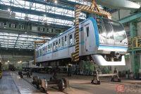 クレーンも使ってすべて分解 東京メトロ「鉄道車両の車検」に密着