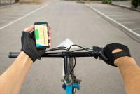 自転車で「ながらスマホ」事故ったら保険はどうなる?