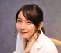 """深夜バスに漫画喫茶…吉岡里帆、""""役の幅が広すぎる女優""""を支える「下積み時代」"""