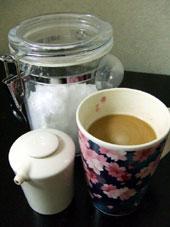 水も砂糖もみんな毒? 身近な食品の致死量を調べる