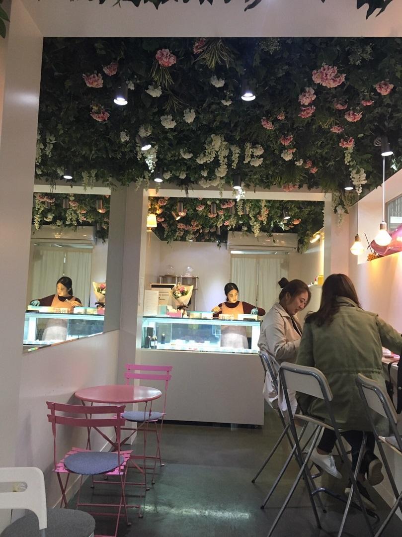 ピンクでかわいい韓国の穴場フォトジェニックカフェを先取り?(laurier