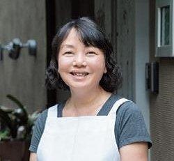 瀬尾幸子さん料理人。コツをわかりやすく解説したレシピが好評。本誌の連載「Cooking」では「やさしい和食」を担当。著書に『ラクうまごはんのコツ』(新星出版社)。