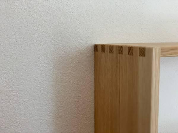 インテリアと家事動線を美しく。「見せ置きできる食器棚」楢材キッチンシェルフ<前編>