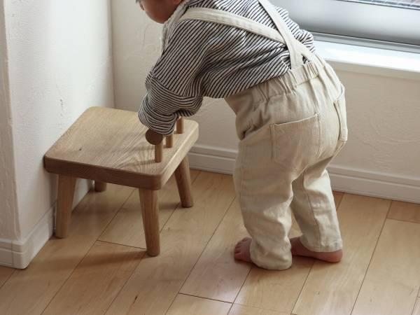 1歳の誕生日に選びたい「こども椅子」のはなし
