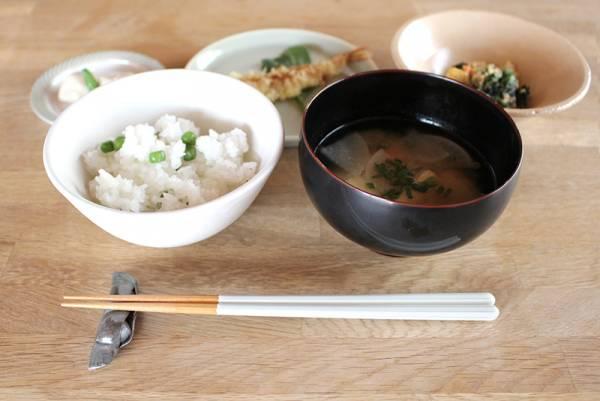 北欧食器と好相性。和食はもちろん洋食も、使うほど好きになるbon moment八角箸