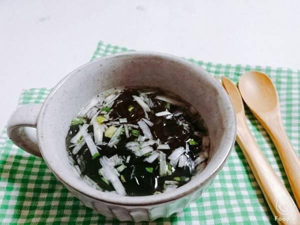 低カロリーで満腹感◎「もずく入りねぎ塩スープ」レシピ