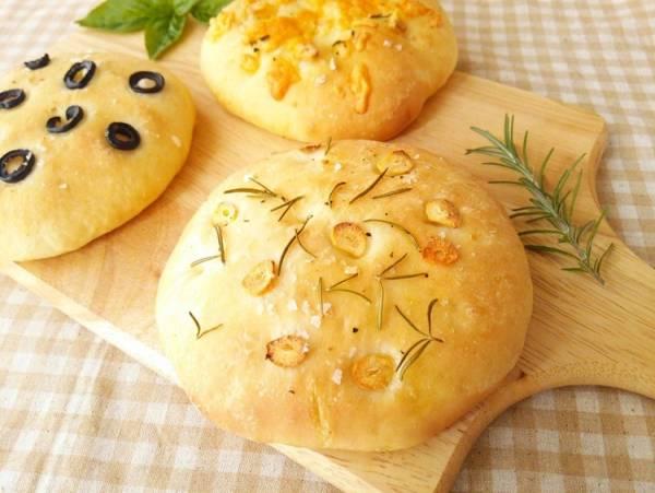 ォカッチャ《イタリアの卵乳なしパン・朝ごはんやパスタの付け合せなどに》by:anさん