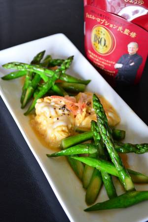 アスパラのバターしょうゆ炒めふんわーり白だし卵添えby:青山金魚さん