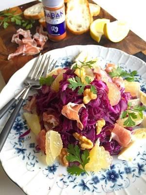 豊菜大盛りモーニングサラダ! 紫キャベツ、胡桃、生ハム、ニューサマーの爽やかサラダ #金魚の肴by:青山金魚さん