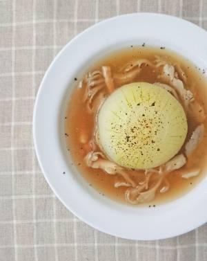 丸ごと「新玉ねぎの和風スープ」
