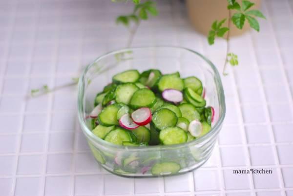 大量消費レシピ!簡単作り置き「きゅうりの塩ナムル」