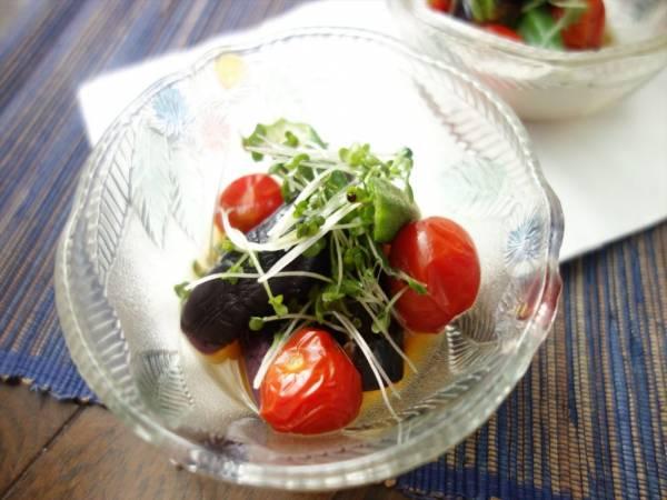 電子レンジで5分!めんつゆで簡単「夏野菜の和風煮びたし」