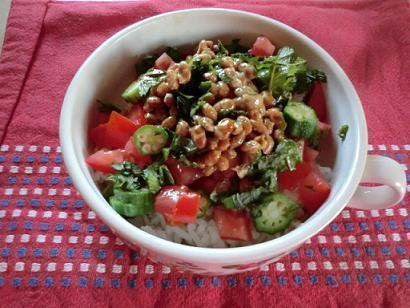 納豆とオクラ、トマトのネバネバ丼by:CatherineSさん