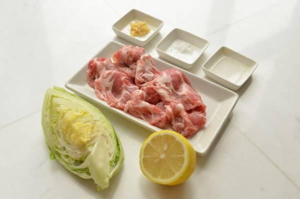 夏バテにもダイエットにも◎レモンとしょうがで簡単「レンジ豚」材料