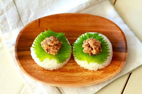 食べ過ぎを防ぐ!「さばそぼろの大葉オリーブオイルおにぎり」by:河瀬 璃菜さん