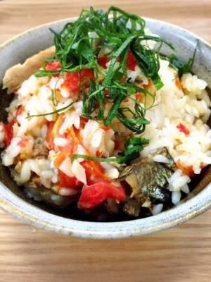 秋刀魚とトマトの炊き込みご飯by:食の組み合わせ薬膳料理研究家きょんちーさん