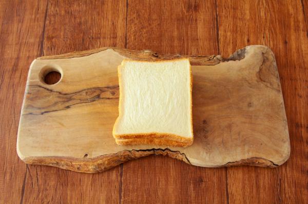 サンドイッチの食パン