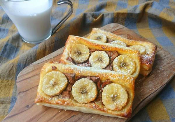 切ってのせて焼くだけ!忙しい朝でも簡単「チョコバナナパイ」by:村山瑛子さん
