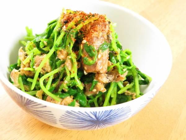 簡単☆サバ缶と豆苗のピリ辛七味ごま和えby:kaana57さん