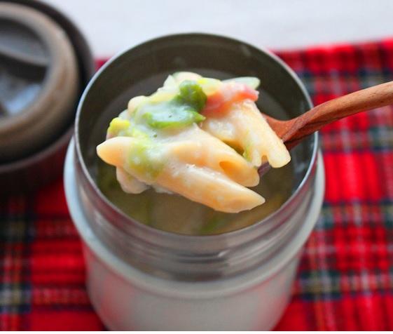 """かくし味は""""醤油""""!「クリーミーペンネグラタン」スープジャー弁当"""