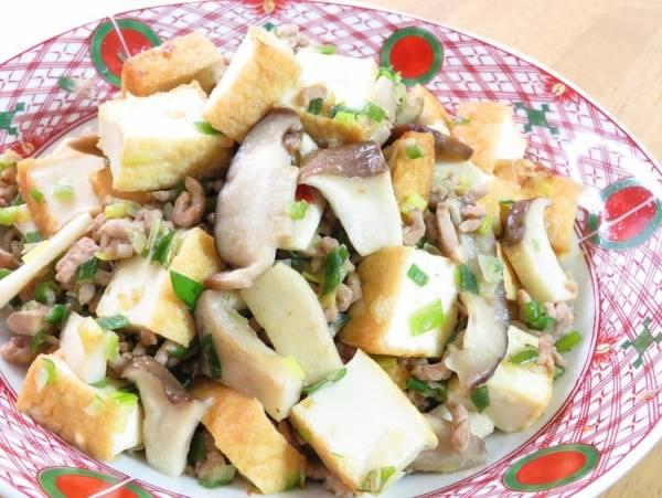 きのこと厚揚げとひき肉のピリ辛生姜醤油炒めby:kaana57さん