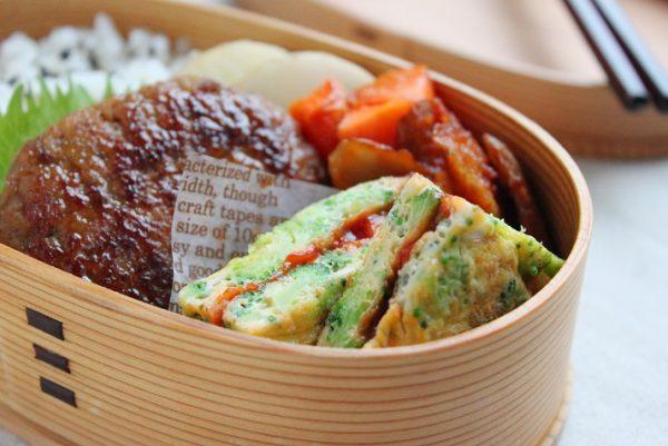 卵焼きよりずっとラク!「ブロッコリーとチーズのサンドオムレツ」のお弁当by:料理研究家 かめ代さん