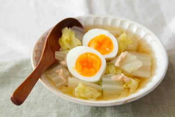 レンジで簡単!白菜が食べすぎを防ぐ「正月太り解消スープ」