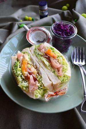 しゃきしゃきレタスと生ハムのわんぱくサンドヘルシーでボリューミー!旬のお野菜レシピby:青山金魚さん