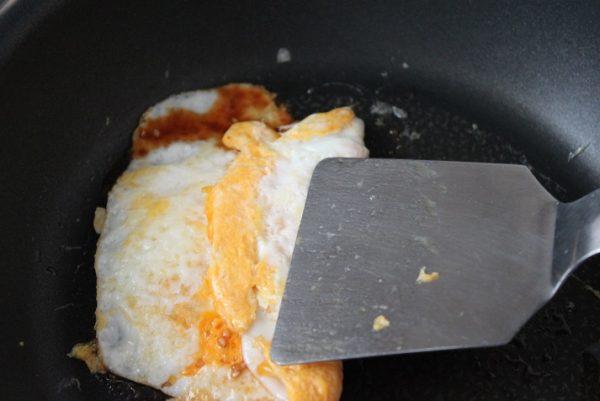 焼肉のたれをかけて三等分に折り畳む