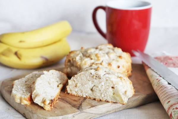 オーブンまでたったの10分!混ぜるだけ簡単「バナナとココナッツのクイックブレッド」