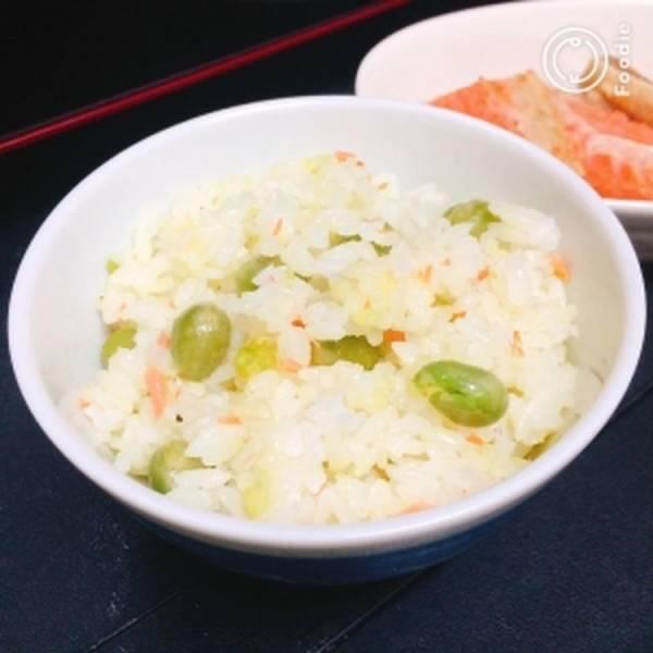 【簡単】えんどう豆と鮭の洋風混ぜご飯by:藤本 あゆみ 美容料理研究家さん
