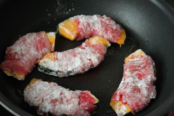 下ごしらえ不要!カレー風味の簡単お弁当おかず「かぼちゃの肉巻き」