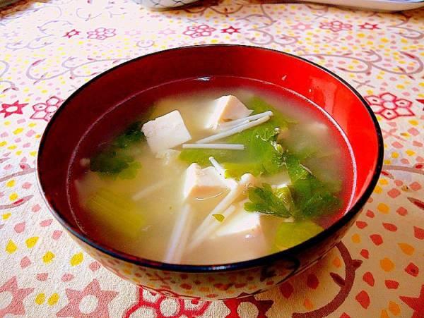 「豆腐とセロリのお味噌汁」アレックスさん